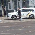 На кого полюють житомирські поліцейські під будівлями облдержадміністрації та міської ради?
