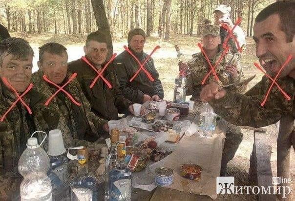 Сын подозреваемого в расстреле 7-х людей на Житомирщине, утверждает, что полиция пытается скрыть свя ...