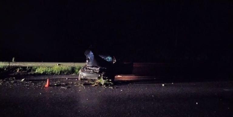 На трасі у Житомирській області від удару з Renault перекинувся ГАЗ