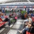Поезда и самолеты могут в Украине запустить раньше: что известно