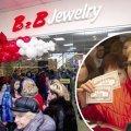 Піраміда B2B Jewelry звалилася? Українці штурмують магазини і вимагають повернути гроші