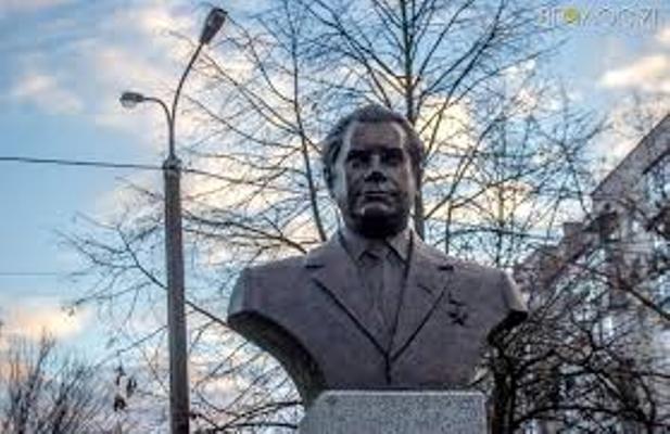 Із історії  Житомира Василя Кавуна викреслювати не хочуть