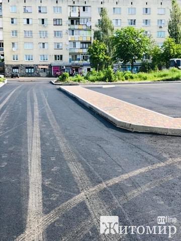 Житомирський ректор показав, як біля університету облаштували парковку. ФОТО