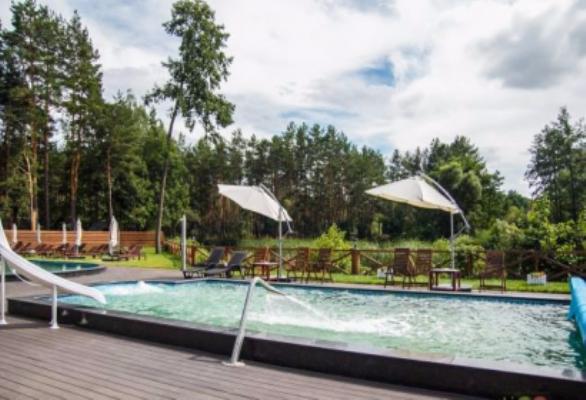 Огляд закладів Житомира, які мають літні басейни