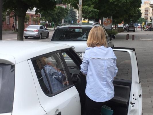 У центрі Житомира когось сьогодні порятував ангел-охоронець. ФОТО