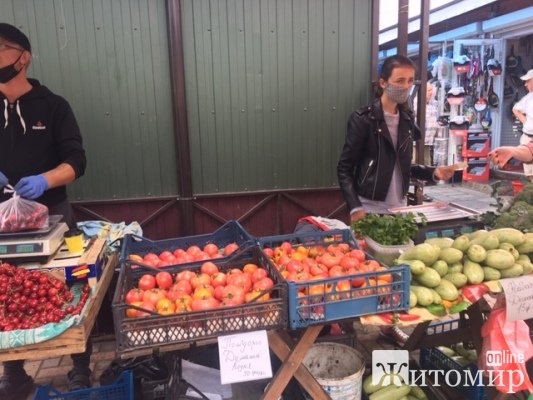 """""""Коднянський помідор"""" - король Житнього ринку. ФОТО"""