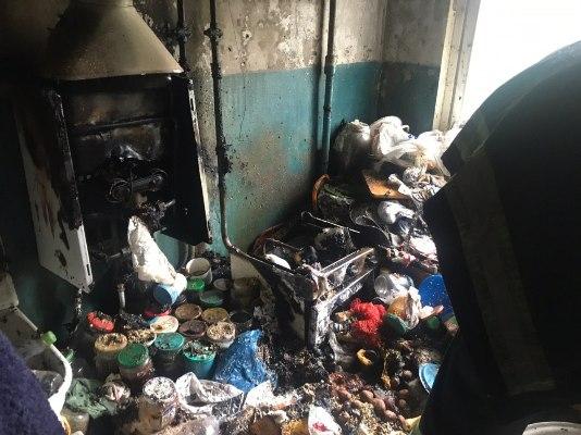 У квартирі Житомирської п'ятиповерхівки, що була повністю захаращена речами сталася пожежа