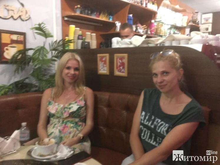 """Сьогодні відчинився для відвідувачів житомирський """"Будинок кави"""". ФОТО"""