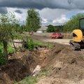 Після рясних дощів у селі Житомирської області ліквідують підтоплення. ФОТО