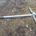 У Житомирській області чоловік, аби заробити на спиртне, зняв з могили хрест і здав його на металобрухт
