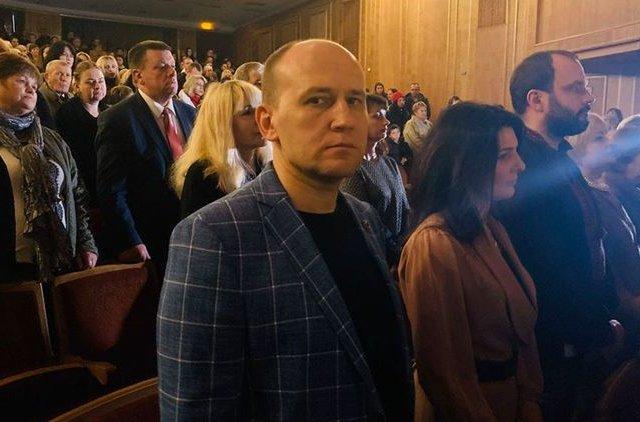 """""""Просто за то, что зацепил бутылкой"""". """"Слуга народа"""" Заславский рассказал, как его избил депутат сельсовета"""