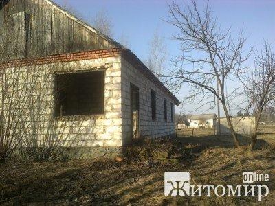 У Романівському районі повторно виставили на аукціон будівлю ветлікарні. ФОТО