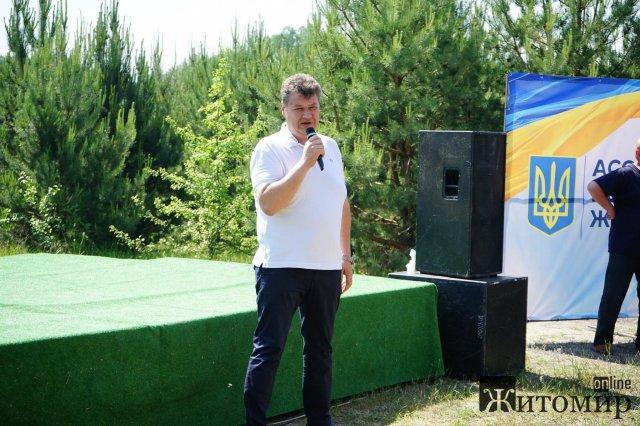 У Житомирському районі зібралися АТОшники, аби поговорити про свої проблеми. ФОТО