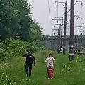 На Житомирщині жінка намагалася вбити себе та 5-річну донечку, кинувшись під потяг