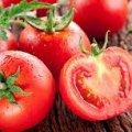 Чим обприскати помідори після дощу?