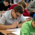 Підсумкова атестація для школярів скасована: Зеленський підписав закон