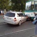 Останні подробиці ДТП на Корольова, у якій авто і трамвай зіштовхнулися лоб в лоб. ФОТО