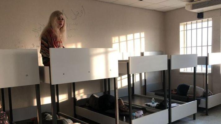 """""""Нас бросили в тюрьму"""". Как в аэропорту Афин задержали украинцев и почему их выпустили из Киева"""