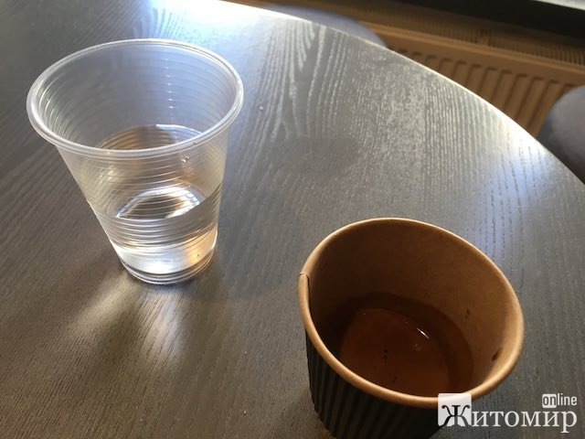 Ранкова кава в житомирській кав'ярні на Михайлівській. ФОТО