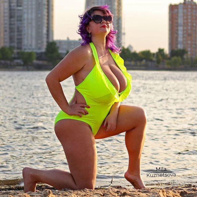 Українка з 13-м розміром грудей стала рекордсменкою: фото натуральної краси