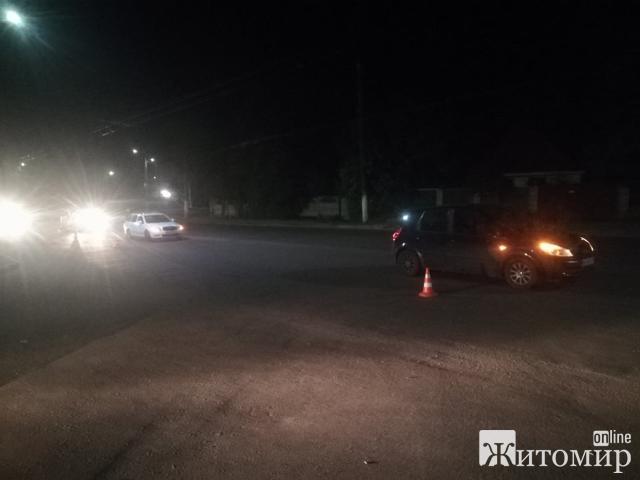 У Житомирі два водії не поділили дорогу! Розбиралась поліція! ФОТО
