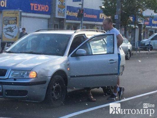 Аварія на проспекті Миру у Житомирі. ФОТО