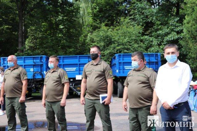 Трьом лісгоспам Житомирщини передали техніку. ФОТО