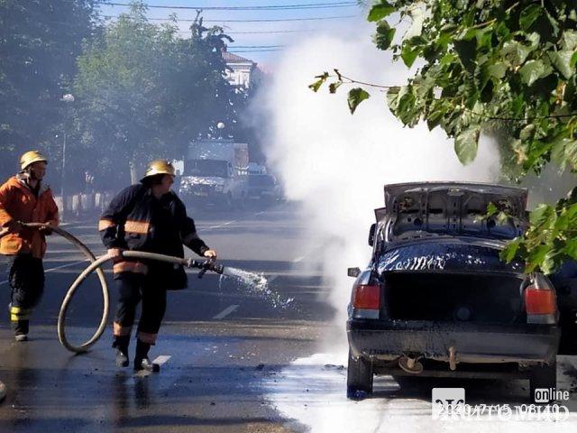 У Бердичеві під час руху загорілася Audi. ФОТО