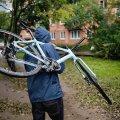 На Польовій у Житомирі підлітки відібрали в дитини велосипед