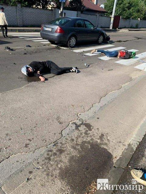 Ранкове ДТП у Житомирі: загинула людина. ФОТО