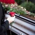 Чи виплатять допомогу на поховання, якщо немає права на пенсію?