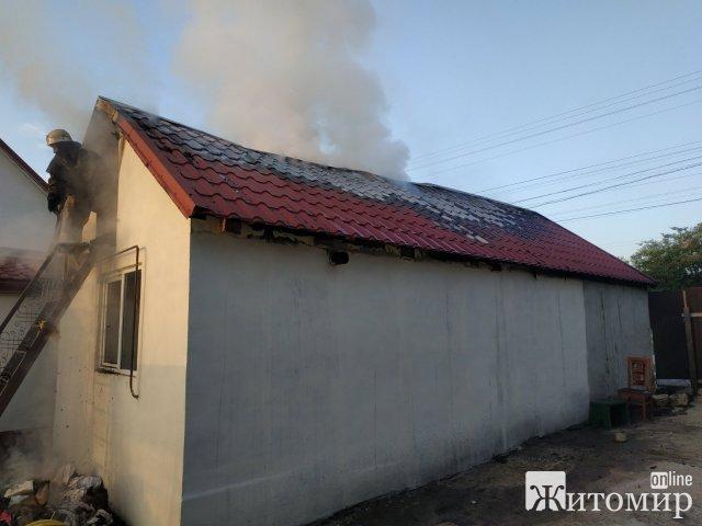 На Житомирщині за добу рятувальники ліквідували 11 пожеж. ФОТО