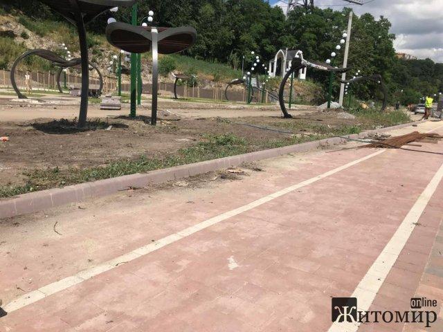 До кінця літа в Житомирі планують завершити реконструкцію набережної. ФОТО