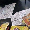 У Житомирі поліція встановила особи чоловіків, які вкрали 1200 лотерейних білетів