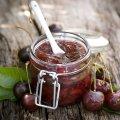 Вишня консервована в желе – найніжніше варення, ягоди зовсім, як свіжі!