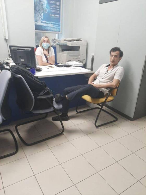 Терорист захопив банк у Києві та погрожує вибухом. ФОТО