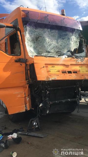 Под Коростенем фура врезалась в маршрутку: погибли пассажиры