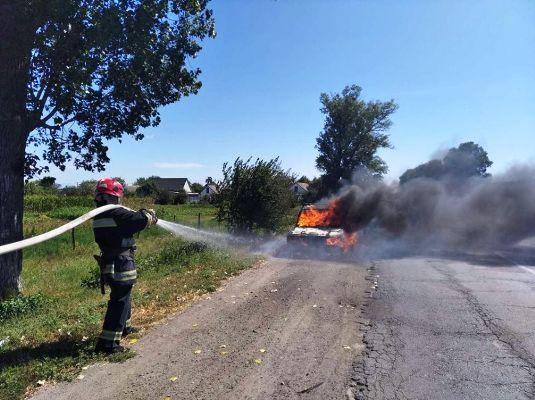 За минулу добу рятувальники Житомирської області загасили два автомобілі