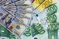 """Свіжий курс валют: """"чорний"""" ринок, міжбанк, обмінники"""
