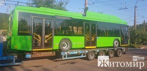 До Житомирського ТТУ приїхали ще нові автобуси