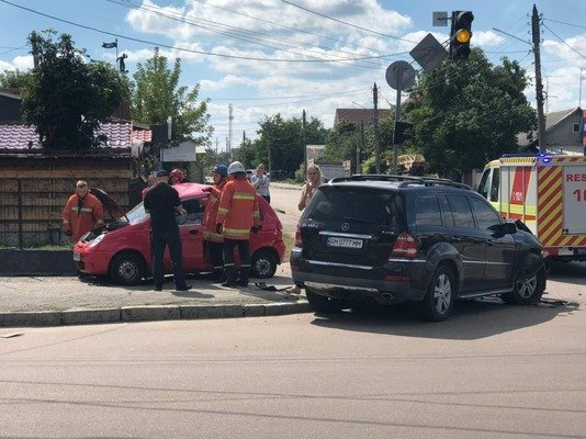ДТП у Житомирі: Matiz врізався у позашляховик Mercedes