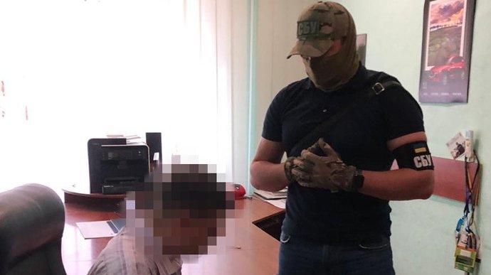 Чиновника ДСНС затримали за вимагання хабаря у розмірі 70 тисяч доларів