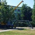 Біля житомирського університету встановлюють зменшену копію Ейфелевої вежі. ФОТО