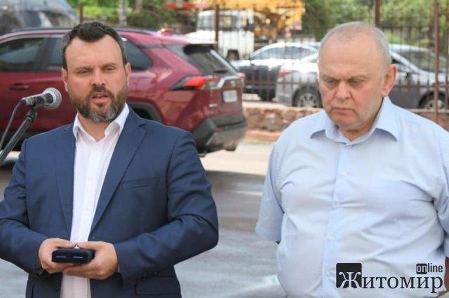 Директор Житомирського обласного перинатального центру отримав нагороду. ФОТО