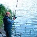 Рибоохоронний патруль склав протокол на чоловіка, який на річці в Житомирському районі виловив на 1,5 кг риби більше, ніж дозволено. ФОТО