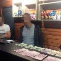У селищі Житомирської області виявили кав'ярню, де відвідувачам пропонували азартні ігри на планшетах
