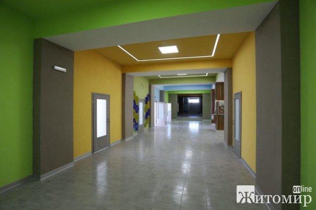 На Житомирщині ведуться ремонтні роботи у спортивному комплексі, на стадіоні. ФОТО