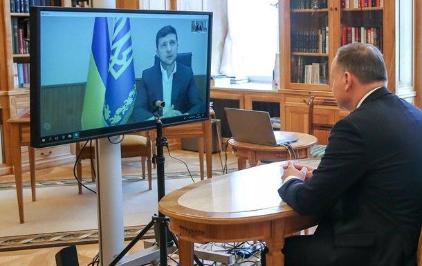 Зеленський поговорив з Дудою по відеозв'язку. ФОТО