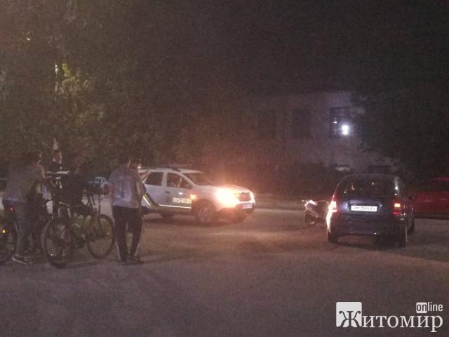 У Житомирі легковик збив підлітка на мопеді! ФОТО.