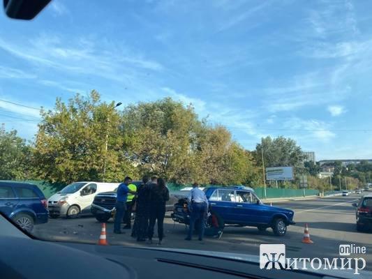 Аварія на Бердичівському мосту у Житомирі. ФОТО